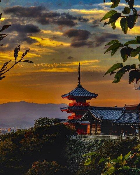 Kiyomizu-dera Temple Kyoto sunset